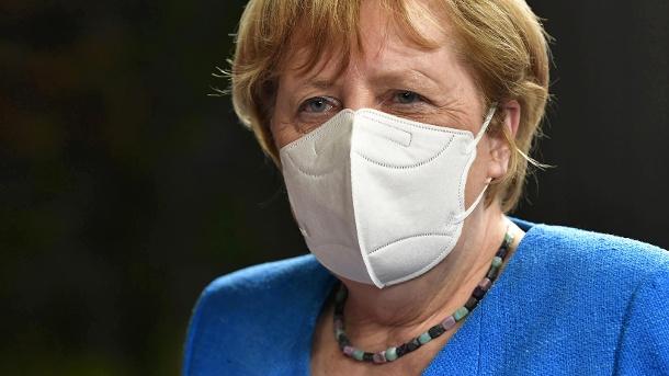 Auf dem Corona-Gipfel in Brüssel signalisiert Merkel Kompromissbereitschaft: Für die Bundeskanzlerin ist es wichtig, dass es dem Gipfel gelingt, die deutsche Präsidentschaft zu beginnen. (Quelle: Reuters)