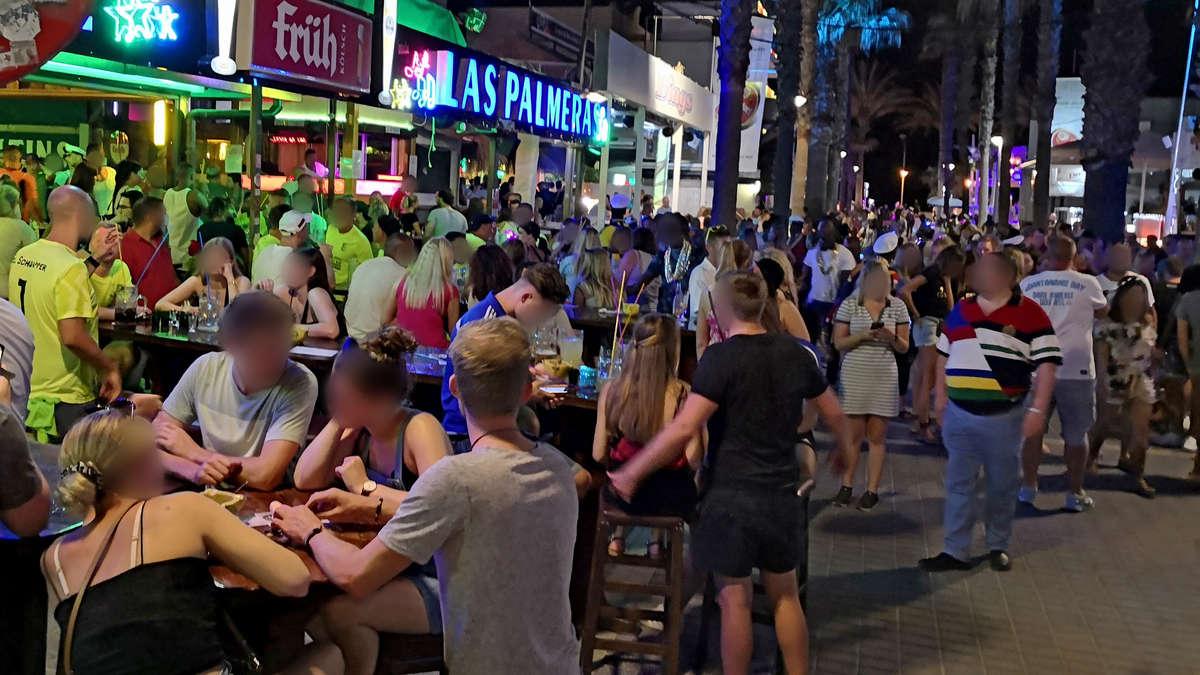 Goldener Sand: Ballermann-Aus auf Mallorca - deutsche Urlauber feiern einfach an einem neuen Hotspot