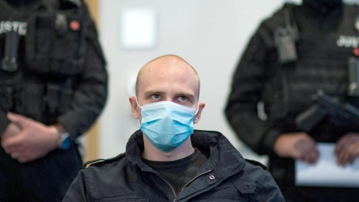 Photo of Angriff auf die Halle: Nachdem der Angeklagte provoziert wurde, lacht der Angeklagte