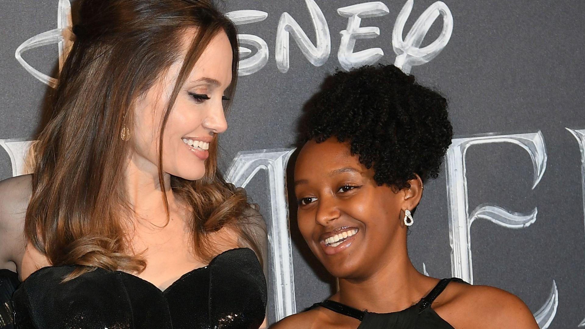 """Photo of """"Außergewöhnlich"""": Angelina Jolie läuft um Zahara herum (15)"""
