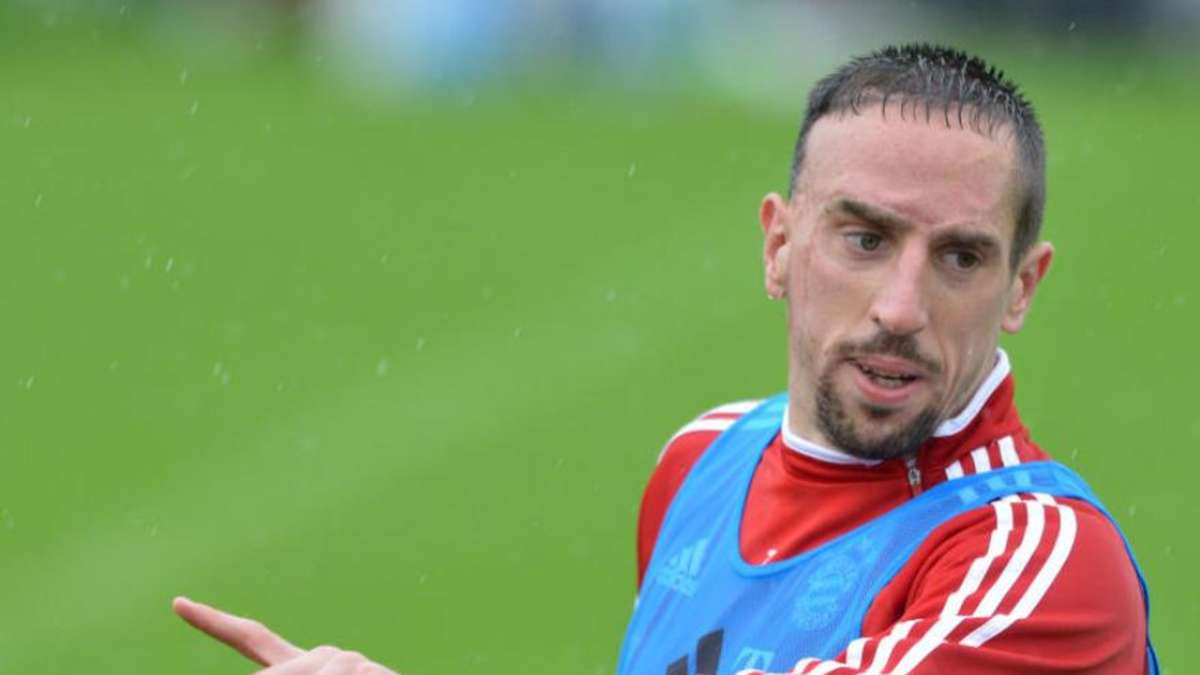 Photo of Bayern München: Der ehemalige Spieler enthüllt Details über Franck Ribéry und Louis van Gaal