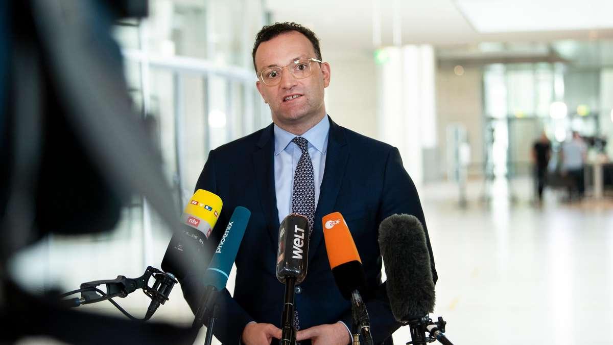 Photo of Corona App wird nach massiven Fehlern aktualisiert – Gesundheitsminister Spahn schweigt