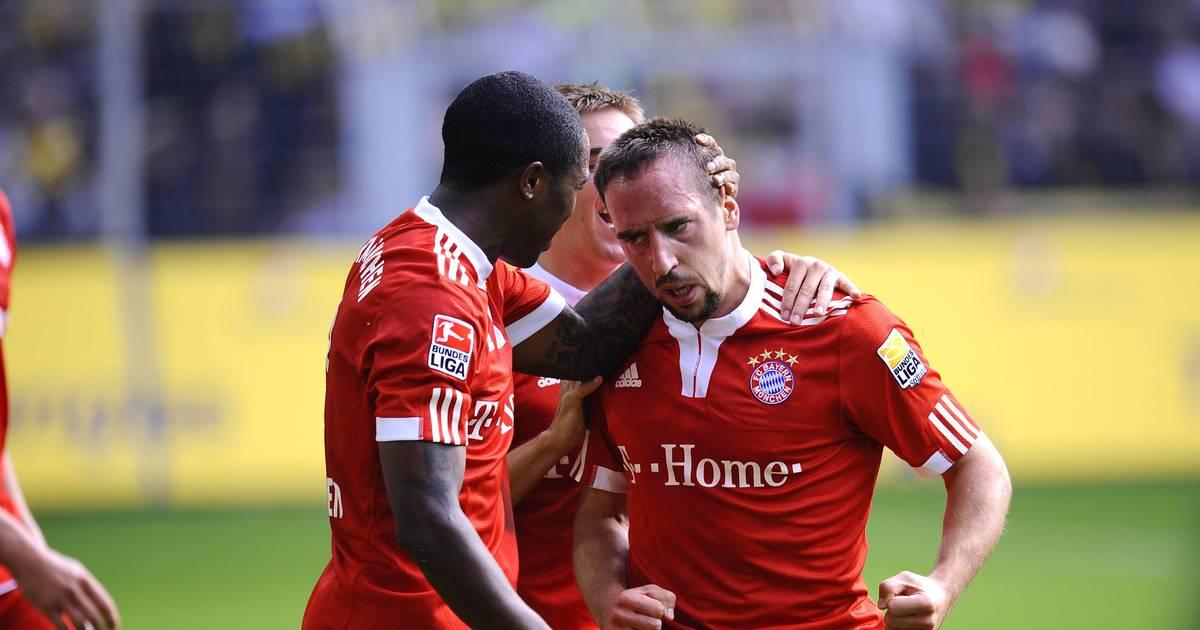 Photo of Edson Braafheid beim FC Bayern, Franck Ribéry, Philipp Lahm, Toni