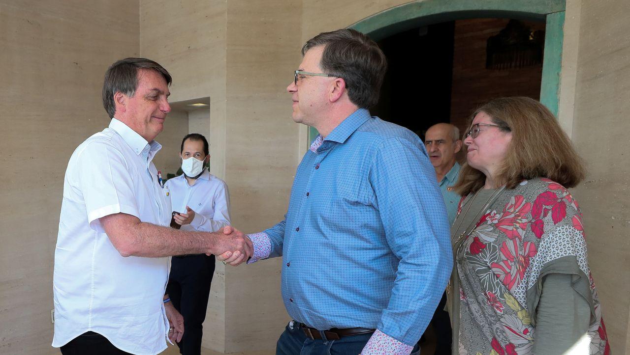 Jair Bolsonaro: Wünsche Genesung und Kritik nach Koronardiagnose durch den brasilianischen Präsidenten