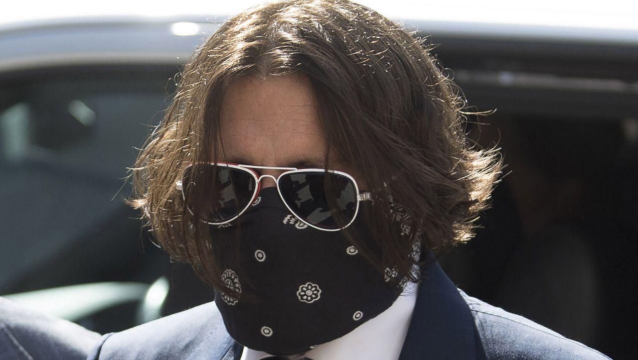 Johnny Depp verklagt den britischen Sun-Verlag und beschuldigt Amber Heard, gelogen zu haben