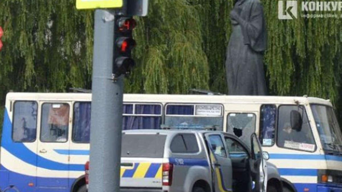 Luzk / Ukraine: Geiselnahme - Polizeisturmbus - Präsident trifft abstrakte Anfrage