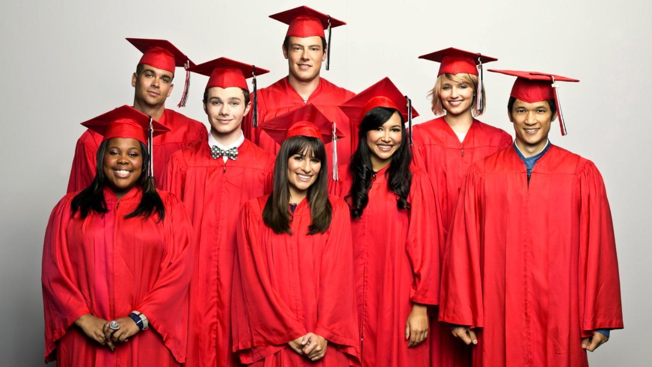 """Naya Rivera (3. von rechts) spielte von 2009 bis 2015 in der Serie """"Glee"""" mit"""