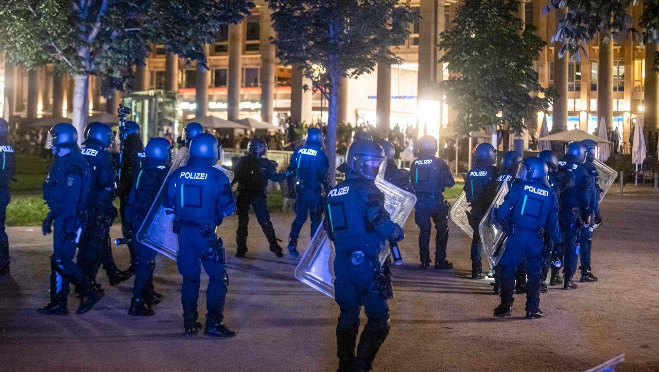 """Photo of Stuttgart: Polizeichef Lutz hat laut Protokoll nicht über """"Suche nach Stammbäumen"""" gesprochen"""