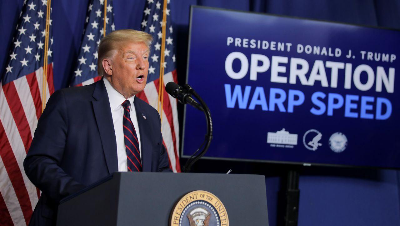 Photo of Trump setzt sich erneut für Malariamedikamente ein – und unterbricht die Pressekonferenz