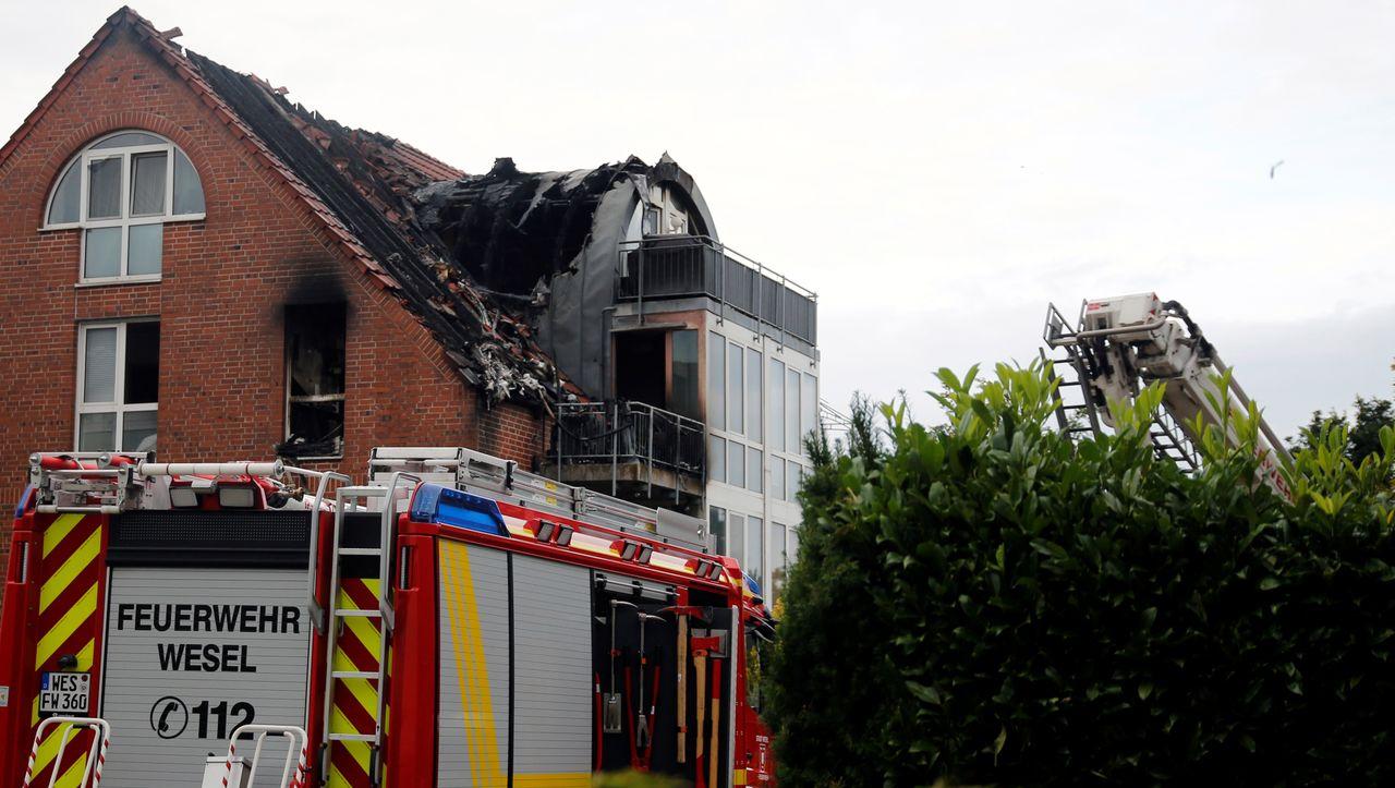 Photo of Wesel: Das Ultraleichtflugzeug stürzt in ein Haus – drei Tote