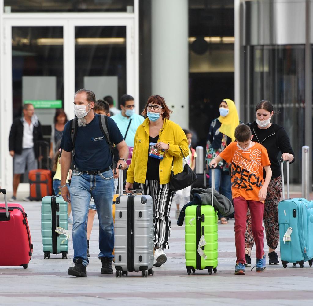 Ab nächsten Montag sollten alle Reisenden aus Gefahrenzonen bei ihrer Ankunft auf Coronavirus getestet werden können