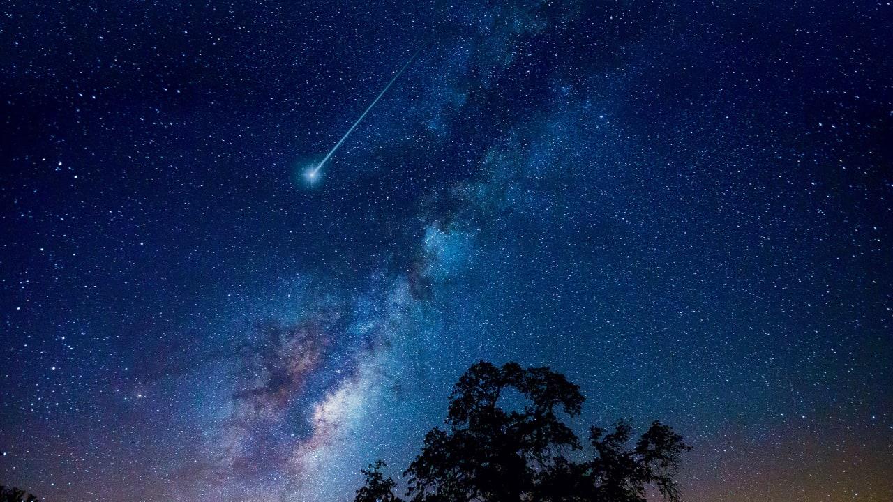 Photo of Perseiden mit maximaler Feuerkraft: Heute führen die Sterne, die vom Mondlicht regnen