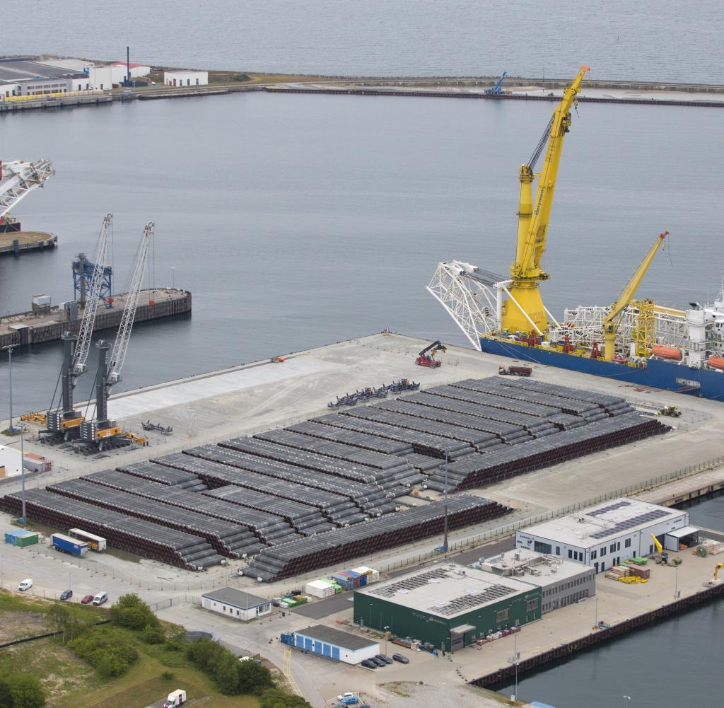 Der Hafen von Sassnitz wird im Kampf um Nord Stream 2 zwischen den Fronten erobert