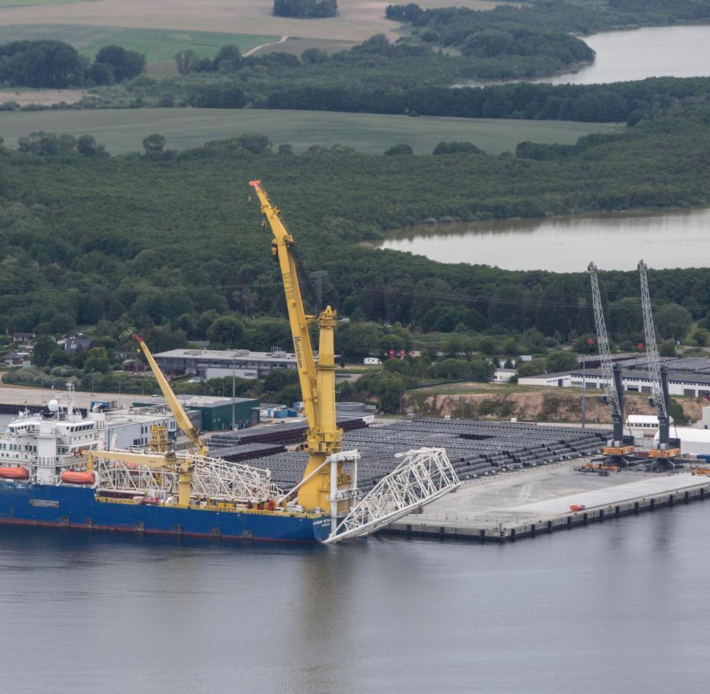 Hafen Sassnitz / Mukran: Die Nordsee-Pipeline Nord Stream 2 ist nur 150 Kilometer entfernt