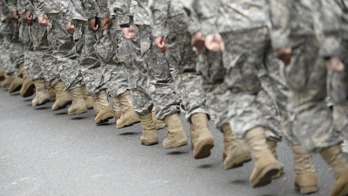 Abkommen unterzeichnet: USA entsenden tausend Soldaten nach Polen