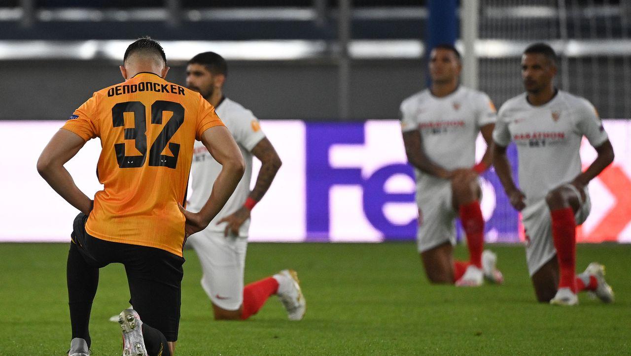 Auch in der Europa League gehen die Spieler auf die Knie