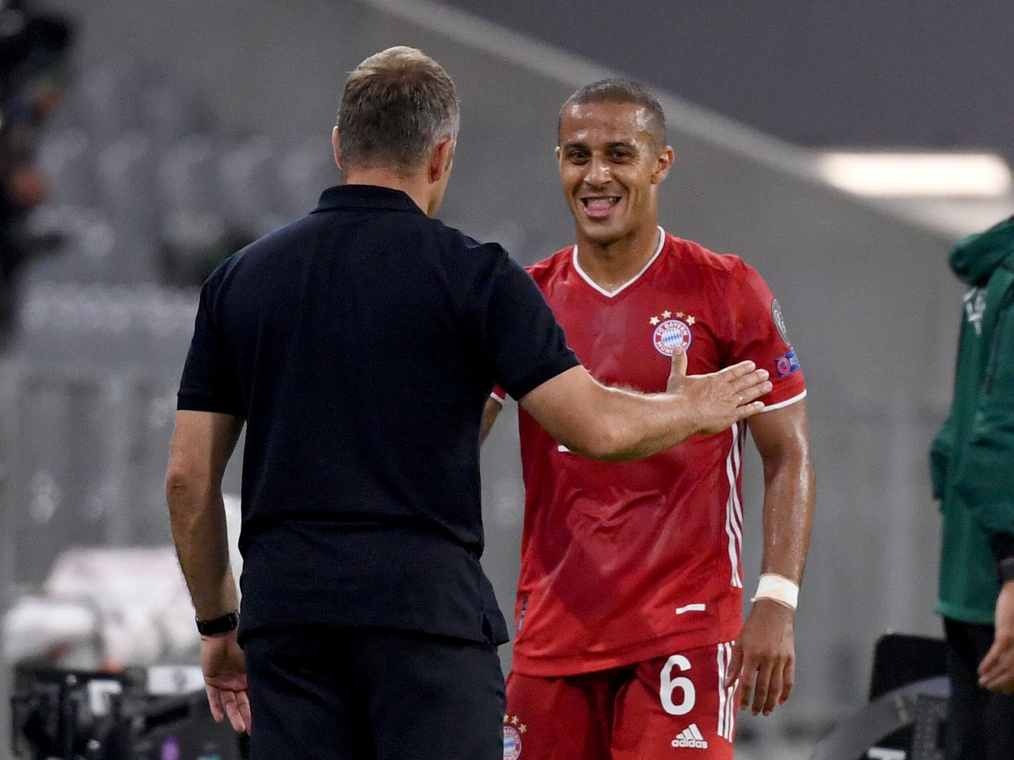Fotografie von Hans-Dieter Flick, Thiago, Bayern München, Bundesliga