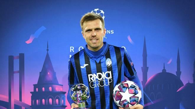 Josip Ilicic mit dem Man of the Match Award nach seinem Viererpack bei Valencia CF.