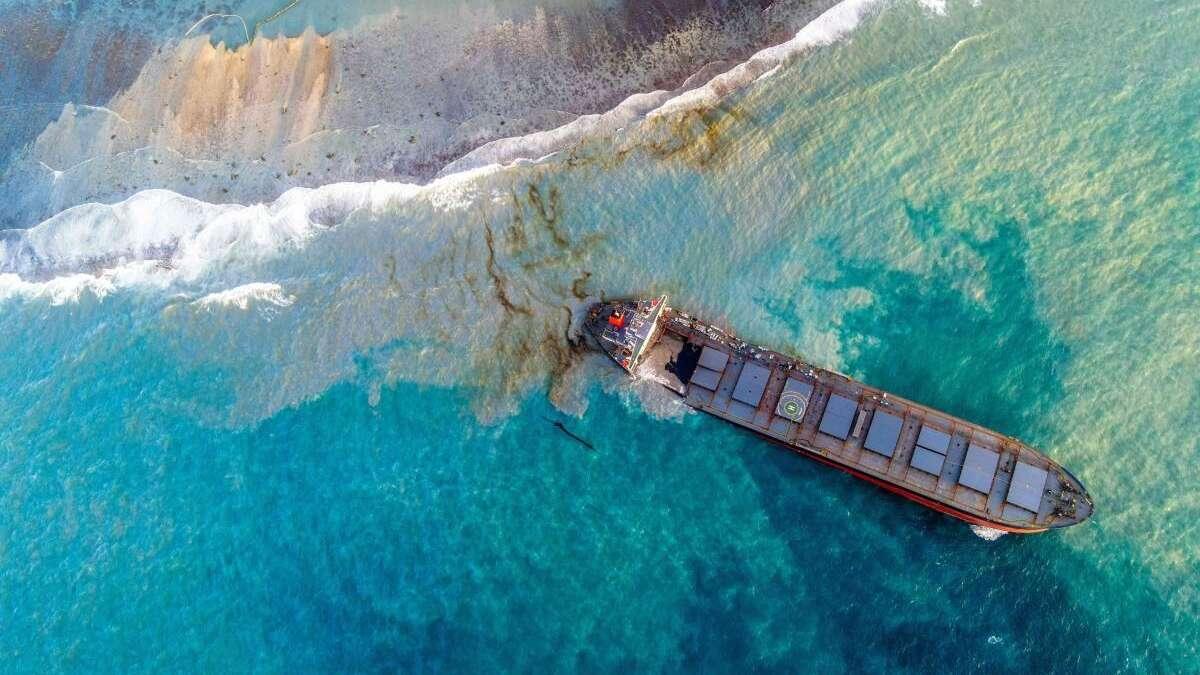 Ölkatastrophe auf Mauritius: Carrier explodiert in zwei Regierungen aus Angst vor Umweltkatastrophen