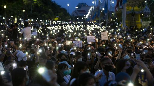 "Photo of Protest in Thailand: ""Nieder mit der Diktatur"""