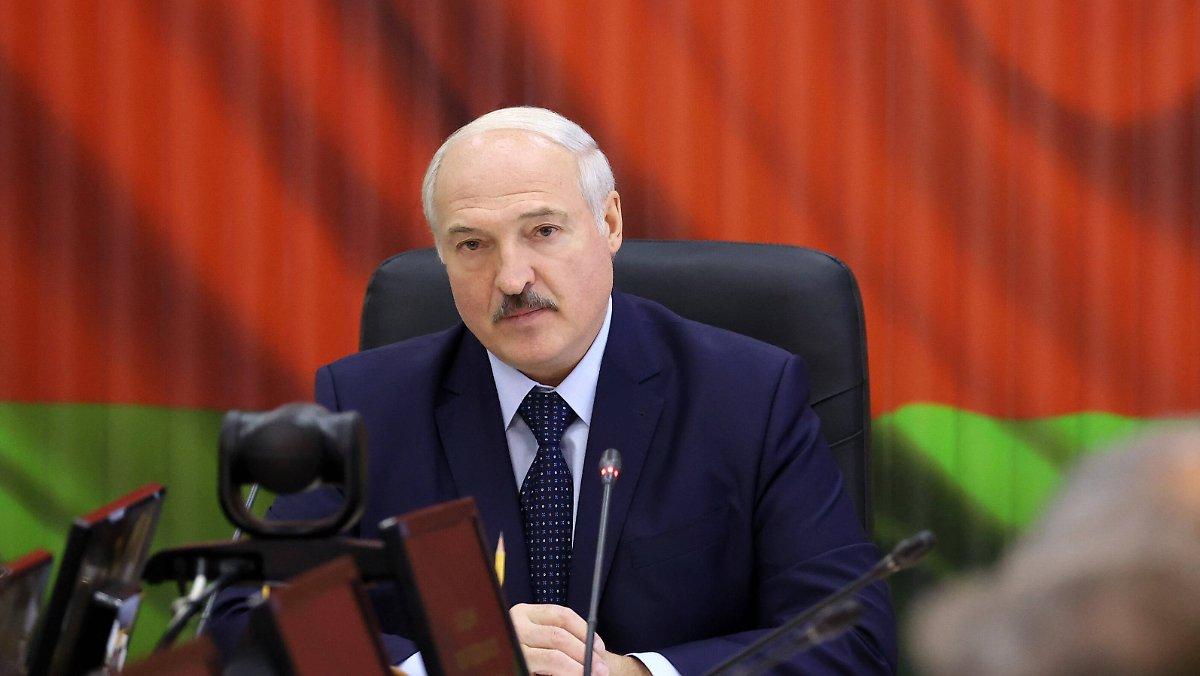 Verwirrung über Putins Anruf: Lukaschenko will die Armee an die Westgrenze bringen