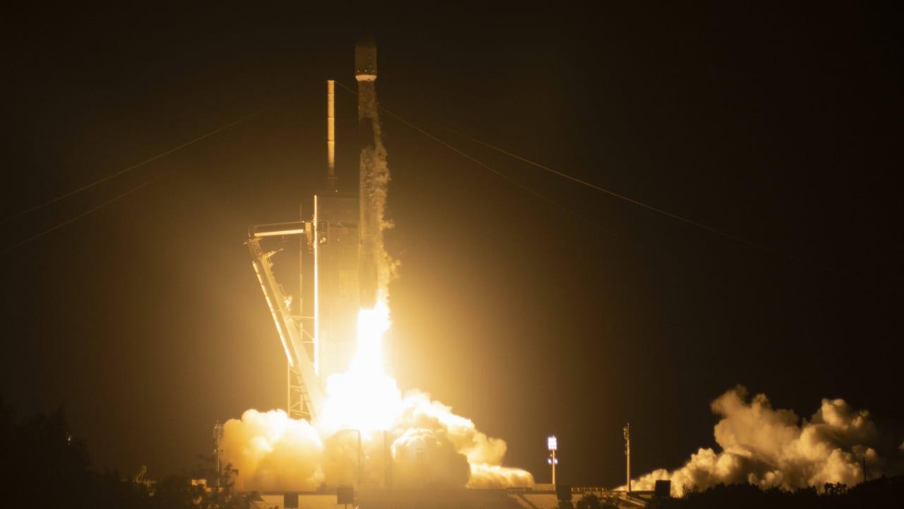 Photo of Von Deutschland aus zu sehen: SpaceX startet 57 Satelliten ins All – Nachrichten im Ausland