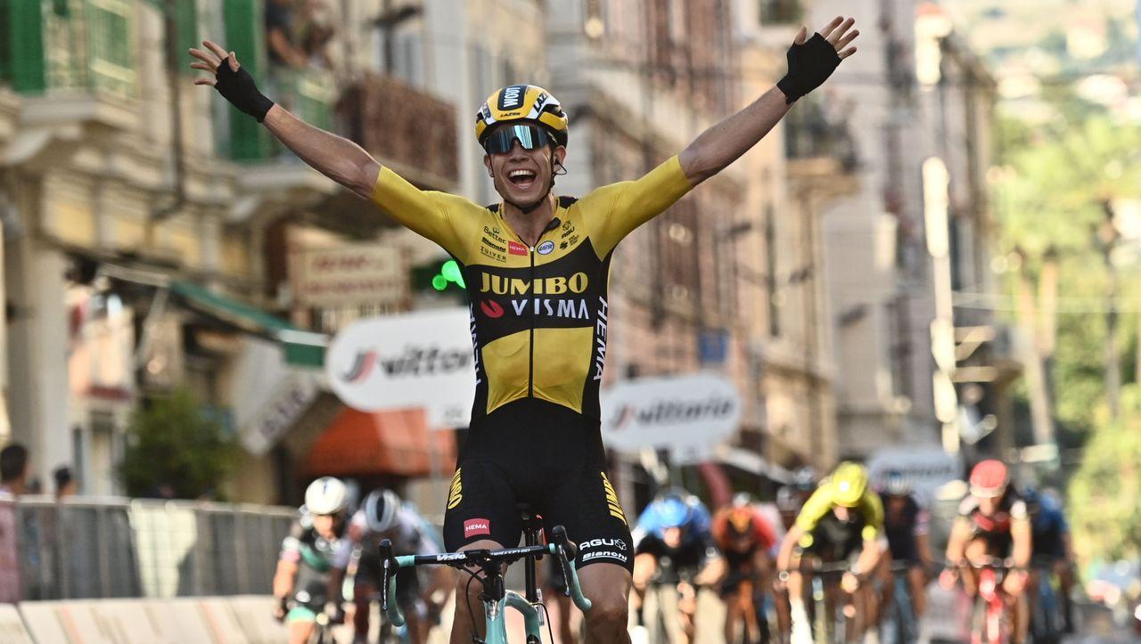 Photo of Zyklismus: Wout Van Aert gewinnt Milan-Sanremo unter extremen Bedingungen